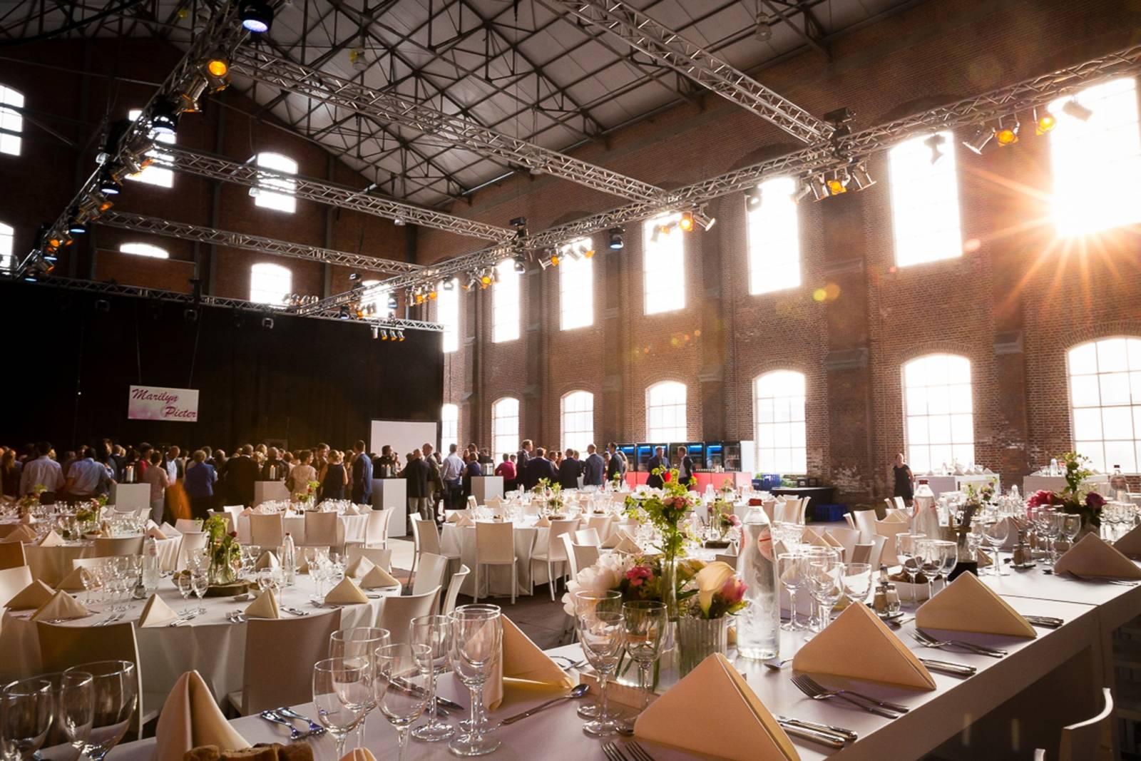 Hangar 43 - Feestzaal Oost-Vlaanderen - Industrieel - House of Weddings - 12