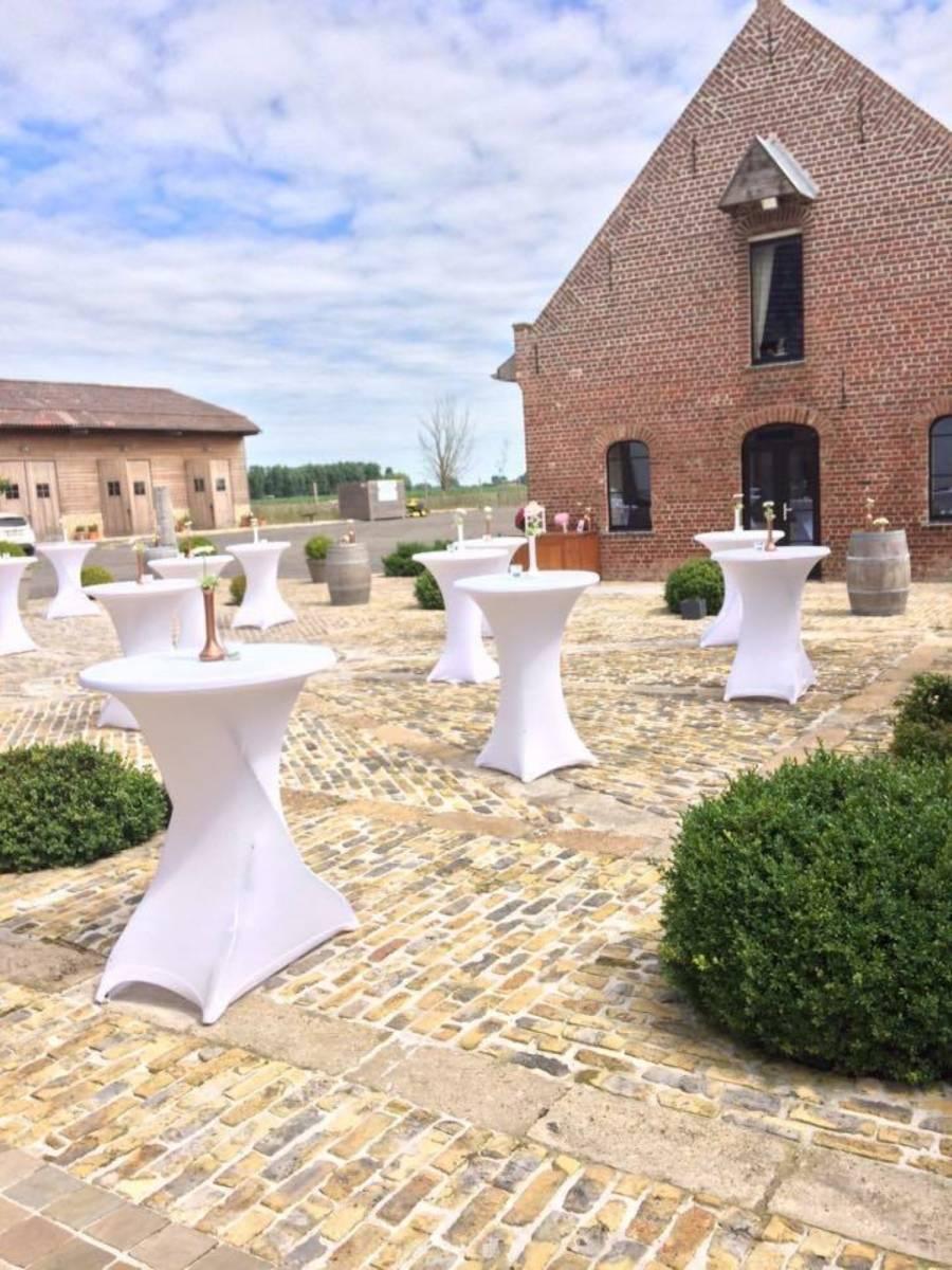 House of Weddings Domein t Eikennest Feestzaal West-Vlaanderen Diksmuide Beerst Tuin Park Vijver Tent Ceremonie Schuur pold (17)