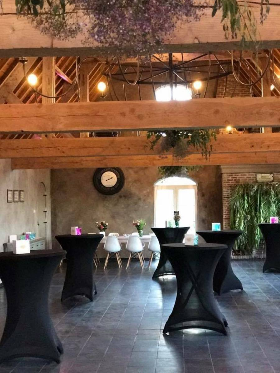 House of Weddings Domein t Eikennest Feestzaal West-Vlaanderen Diksmuide Beerst Tuin Park Vijver Tent Ceremonie Schuur pold (6)