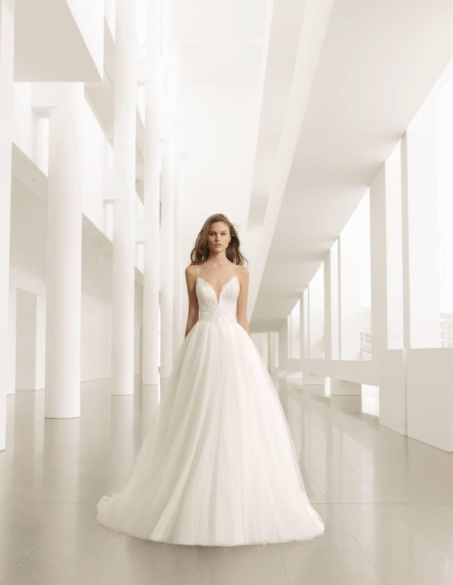 La Sposa - clothing - House of Weddings - 17