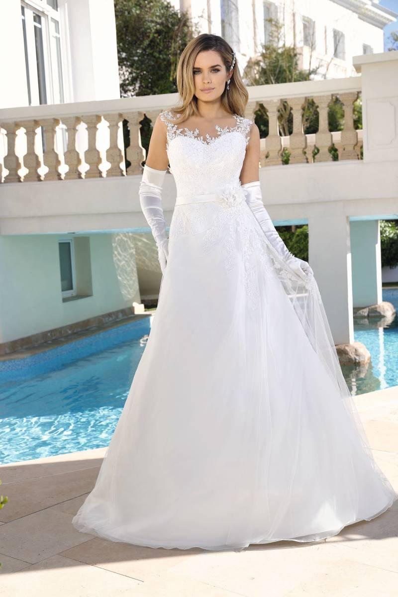 Maxim's Couture - Bruidsmode - Bruidsmodewinkel - Trouwjurk - House of Weddings - 24