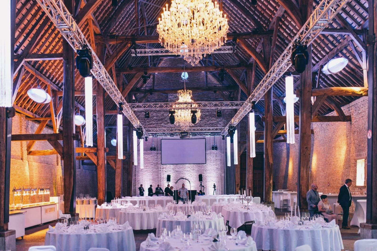 Tiendschuur - Feestzaal Hasselt - House of Weddings - 17